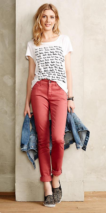 red-chino-pants-white-graphic-tee-black-shoe-sneakers-blue-med-jacket-jean-spring-summer-blonde-weekend.jpg