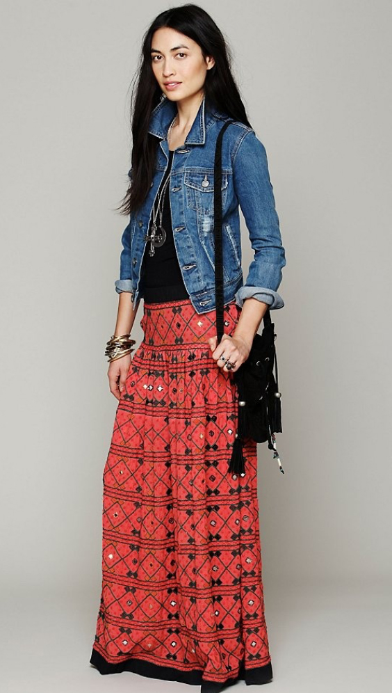 orange-maxi-skirt-black-tee-blue-med-jacket-jean-black-bag-pend-necklace-wear-style-fashion-spring-summer-print-freepeople-brun-weekend.jpg