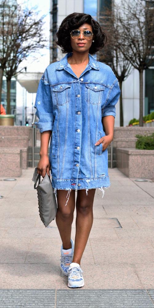 blue-med-jacket-jean-oversized-white-shoe-sneakers-brun-sun-gray-bag-spring-summer-weekend.jpg