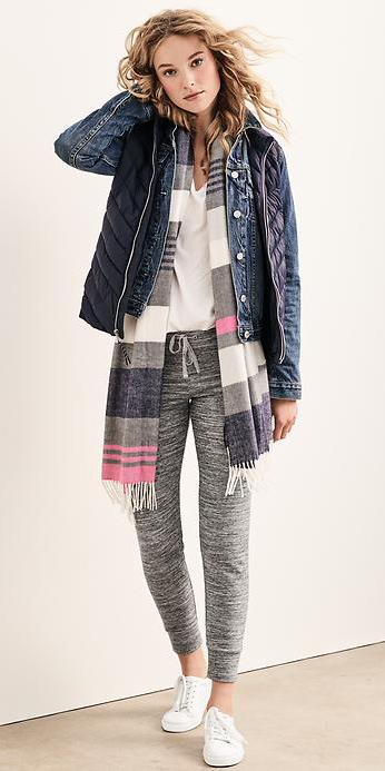 grayl-joggers-pants-white-tee-blue-med-jacket-jean-blue-navy-vest-puffer-white-shoe-sneakers-wear-style-fashion-fall-winter-blonde-grayl-scarf-stripe-weekend.jpg