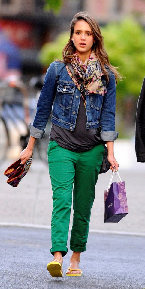 green-emerald-chino-pants-blue-navy-jacket-jean-jessicaalba-spring-summer-maternity-hairr-weekend.jpg