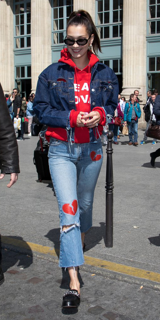 blue-light-crop-jeans-red-sweater-sweatshirt-hoodie-blue-navy-jacket-jean-black-shoe-loafers-bellahadid-sun-pony-brun-fall-winter-weekend.jpg