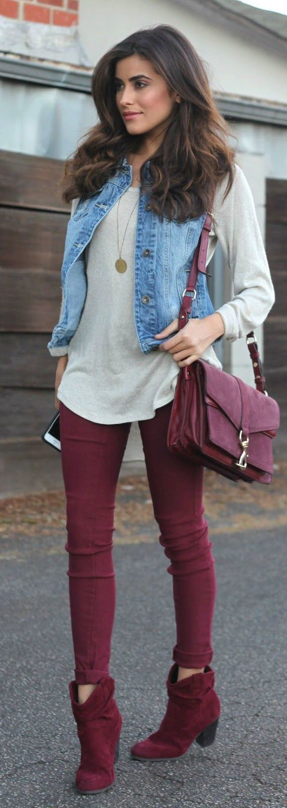 r-burgundy-skinny-jeans-white-tee-necklace-pend-blue-light-vest-jean-burgundy-bag-burgundy-shoe-booties-howtowear-fashion-style-outfit-fall-winter-brun-lunch.jpg