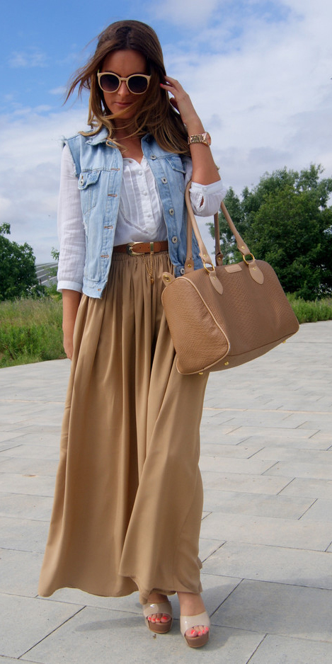 tan-maxi-skirt-white-top-blouse-blue-light-vest-jean-tan-bag-tan-shoe-sandalw-hairr-sun-belt-spring-summer-lunch.jpg