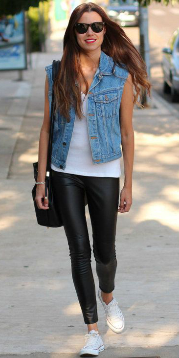 black-leggings-white-top-tank-blue-light-vest-jean-black-bag-sun-wear-style-fashion-spring-summer-white-shoe-sneakers-hairr-weekend.jpg