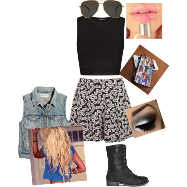 black-shorts-floral-print-blue-light-vest-jean-black-crop-top-blonde-sun-black-shoe-booties-spring-summer-weekend.jpg