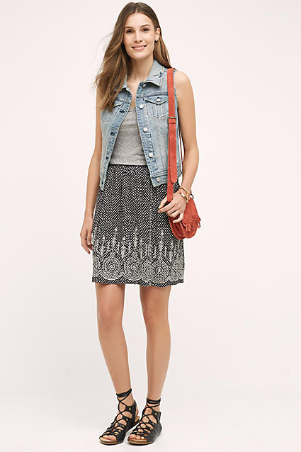 black-mini-skirt-grayl-top-tank-orange-bag-blue-light-vest-jean-wear-style-fashion-spring-summer-black-shoe-sandals-print-hairr-weekend.jpg