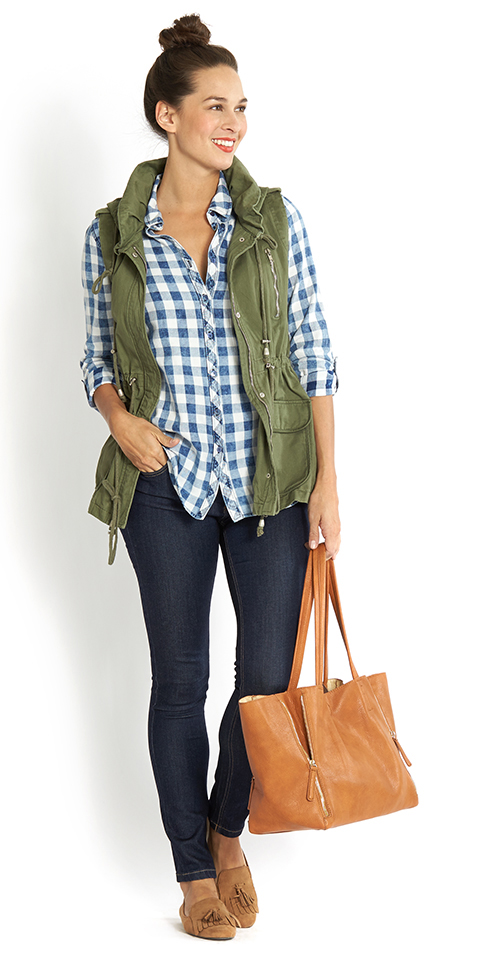 blue-navy-skinny-jeans-blue-med-collared-shirt-gingham-print-hairr-cognac-bag-tote-tan-shoe-loafers-green-olive-vest-utility-spring-summer-weekend.jpg