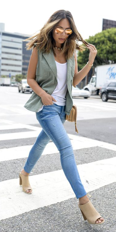 blue-med-skinny-jeans-white-tank-tan-shoe-sandalh-hairr-sun-tan-bag-green-olive-vest-utility-spring-summer-lunch.jpg
