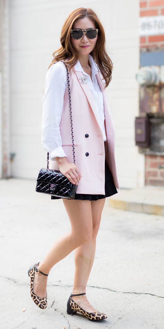 black-mini-skirt-white-collared-shirt-pink-light-vest-tailor-sun-hairr-black-bag-tan-shoe-flats-leopard-print-spring-summer-lunch.jpg