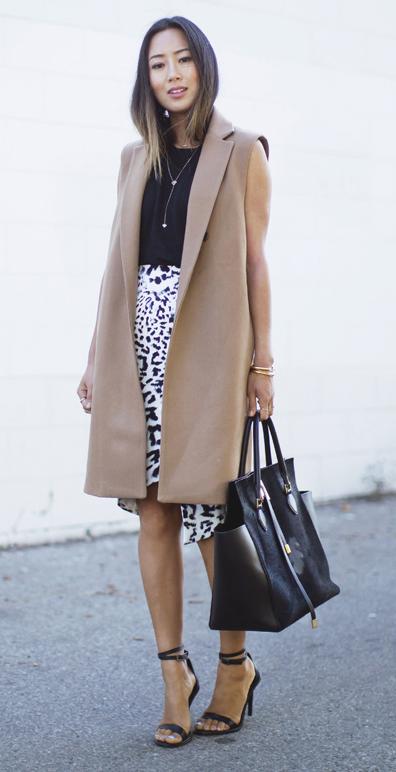 white-pencil-skirt-print-black-top-black-bag-tote-brun-black-shoe-sandalh-tan-vest-tailor-spring-summer-work.jpg