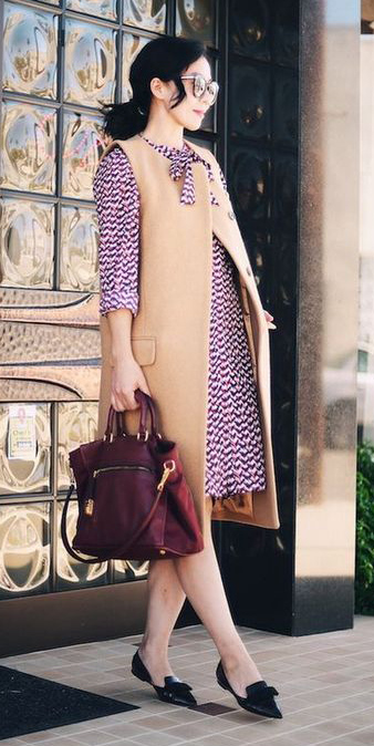 burgundy-dress-shirt-print-tan-vest-tailor-brun-burgundy-bag-sun-pony-black-shoe-flats-fall-winter-work.jpg
