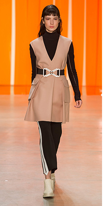 black-wideleg-pants-tan-vest-tailor-brun-wide-belt-black-sweater-turtleneck-white-shoe-booties-fall-winter-lunch.jpg