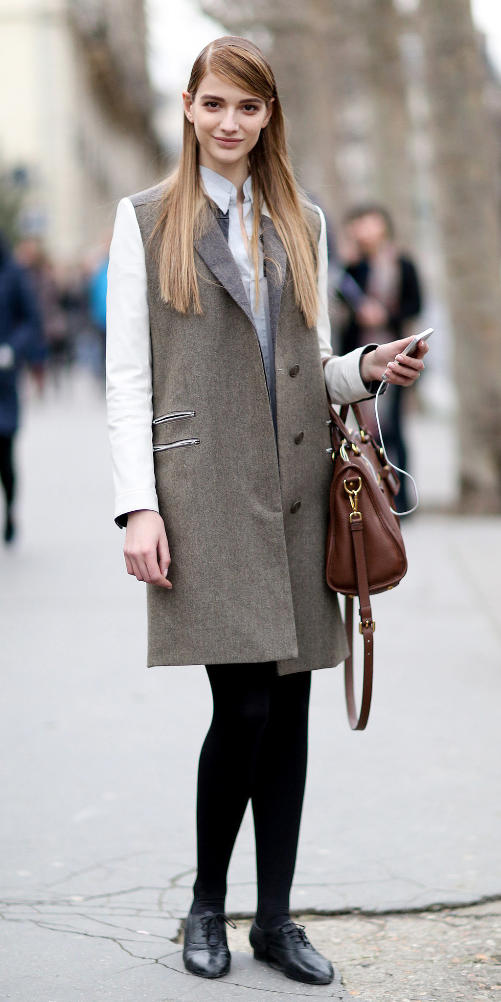 black-mini-skirt-white-collared-shirt-tan-vest-tailor-black-tights-black-shoe-brogues-cognac-bag-howtowear-fashion-style-outfit-fall-winter-blonde-work.jpg