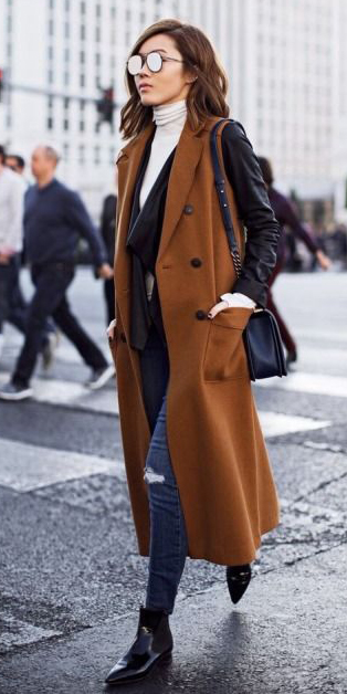 blue-navy-skinny-jeans-white-tee-turtleneck-brun-sun-lob-black-jacket-moto-black-shoe-booties-black-bag-maxi-camel-vest-tailor-layer-fall-winter-lunch.jpg