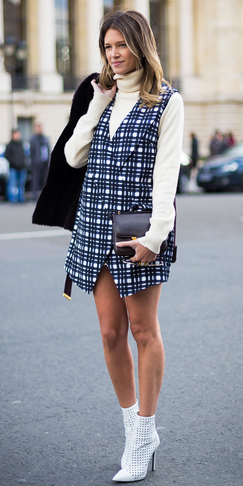 how-to-style-blue-navy-vest-tailor-print-layer-white-sweater-turtleneck-white-shoe-booties-blonde-plaid-fall-winter-fashion-lunch.jpg