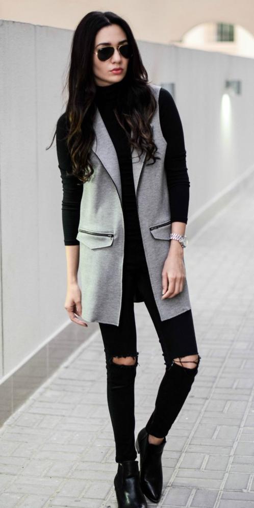 black-skinny-jeans-grayl-vest-tailor-black-tee-turtleneck-sun-brun-black-shoe-booties-fall-winter-lunch.jpg