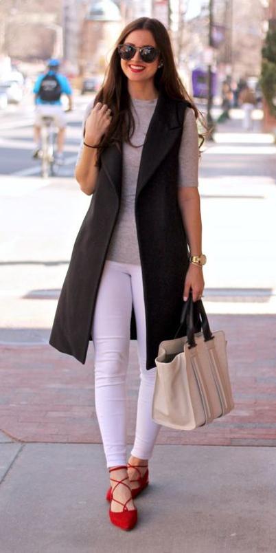white-skinny-jeans-grayl-tee-white-bag-black-vest-tailor-brun-sun-red-shoe-flats-spring-summer-lunch.jpg