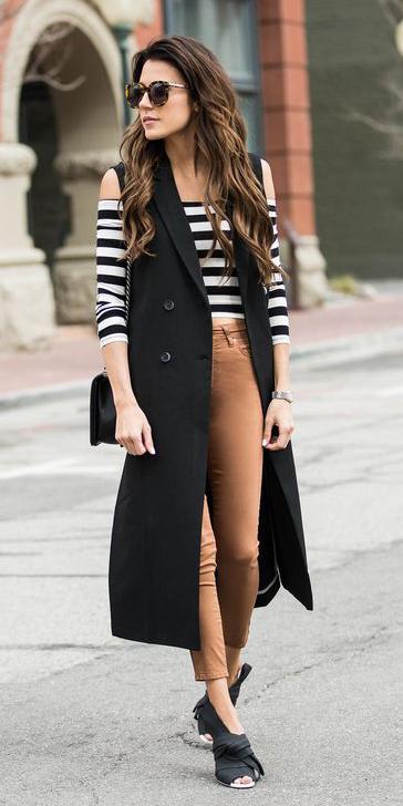 tan-skinny-jeans-white-top-offshoulder-stripe-hairr-sun-black-vest-tailor-black-bag-black-shoe-sandalh-fall-winter-lunch.jpg