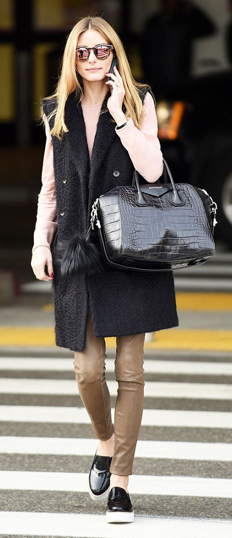 tan-leggings-tan-skinny-jeans-o-tan-tee-oliviapalermo-black-shoe-sneakers-sun-black-bag-black-vest-tailor-howtowear-fashion-style-outfit-hairr-fall-winter-lunch.jpg