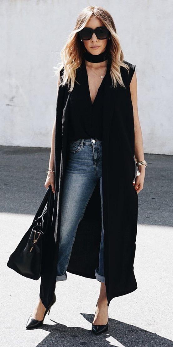 blue-med-skinny-jeans-black-top-blonde-sun-black-bag-black-shoe-pumps-black-vest-tailor-fall-winter-lunch.jpg