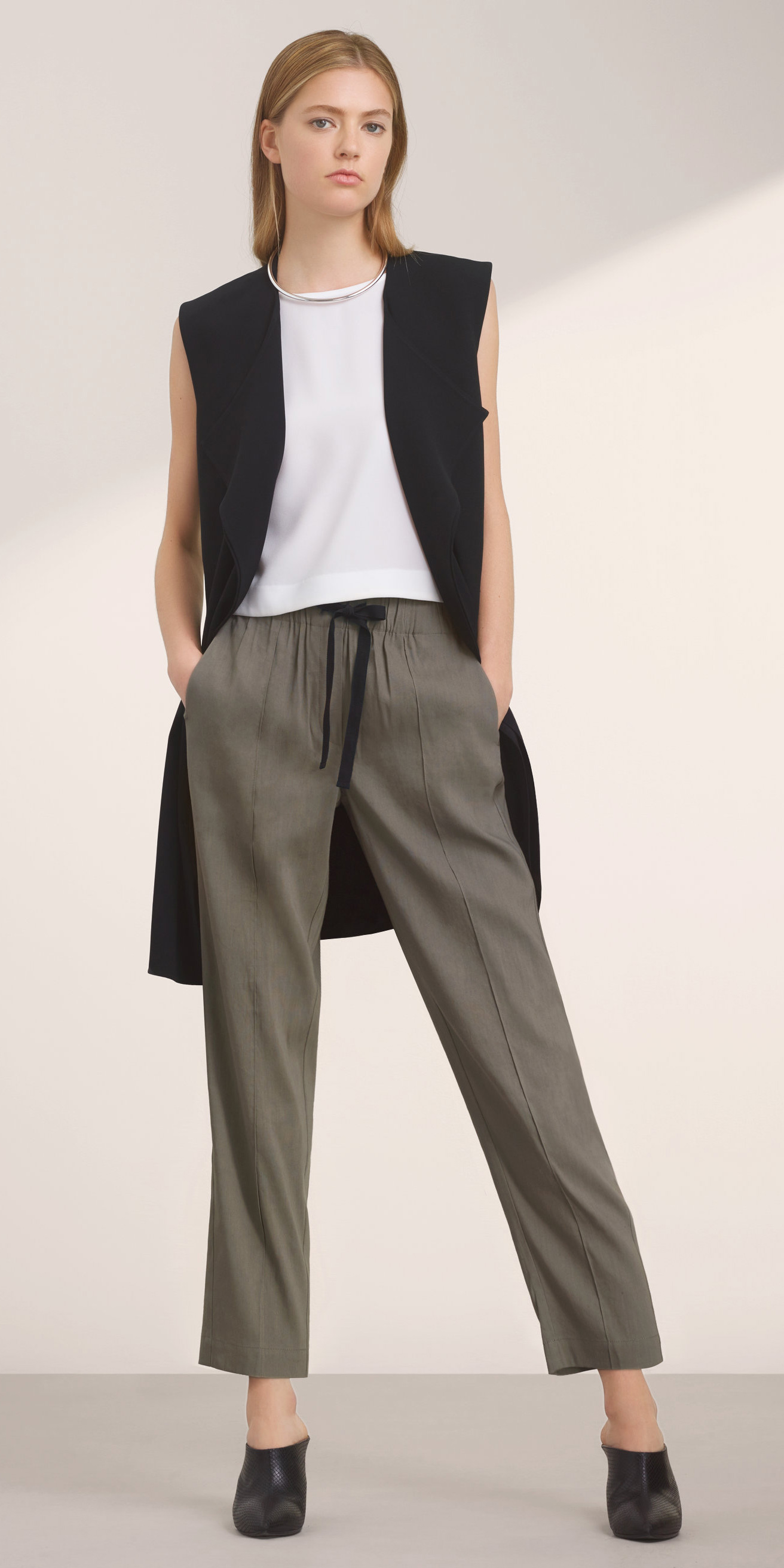 grayd-joggers-pants-white-top-blonde-collar-necklace-black-vest-tailor-black-shoe-booties-fall-winter-lunch.jpg