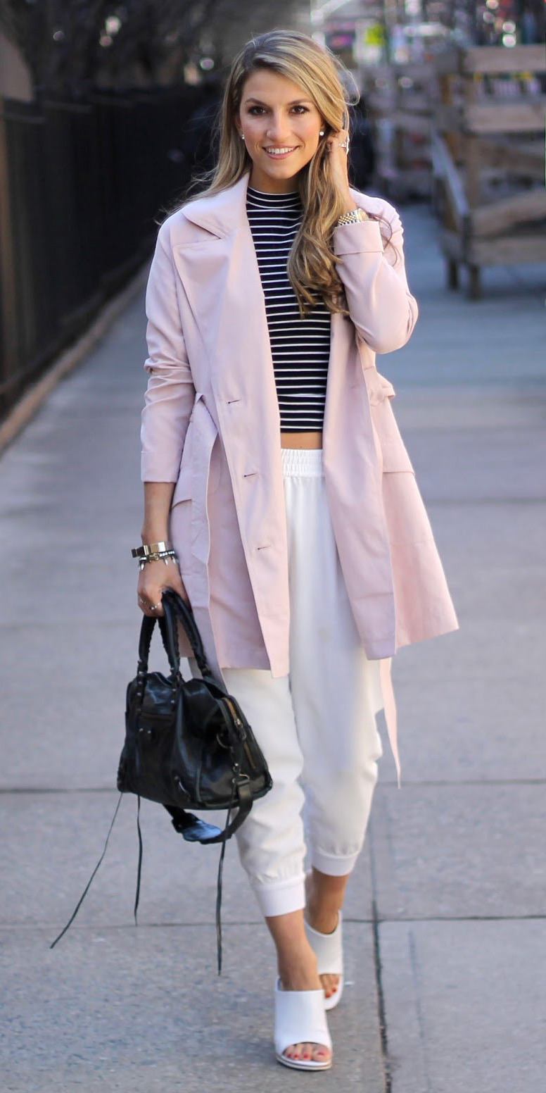 white-joggers-pants-blonde-white-shoe-sandalh-black-bag-black-tee-stripe-pink-light-jacket-coat-trench-spring-summer-lunch.JPG