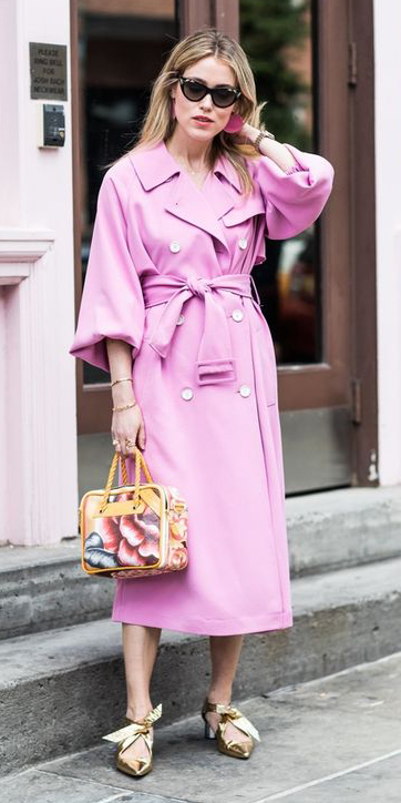 tan-shoe-pumps-gold-yellow-bag-blonde-pink-light-jacket-coat-trench-spring-summer-dinner.jpg
