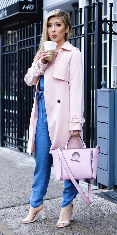blue-med-jumpsuit-blonde-pink-bag-tote-white-shoe-sandalh-pink-light-jacket-coat-trench-spring-summer-lunch.jpg