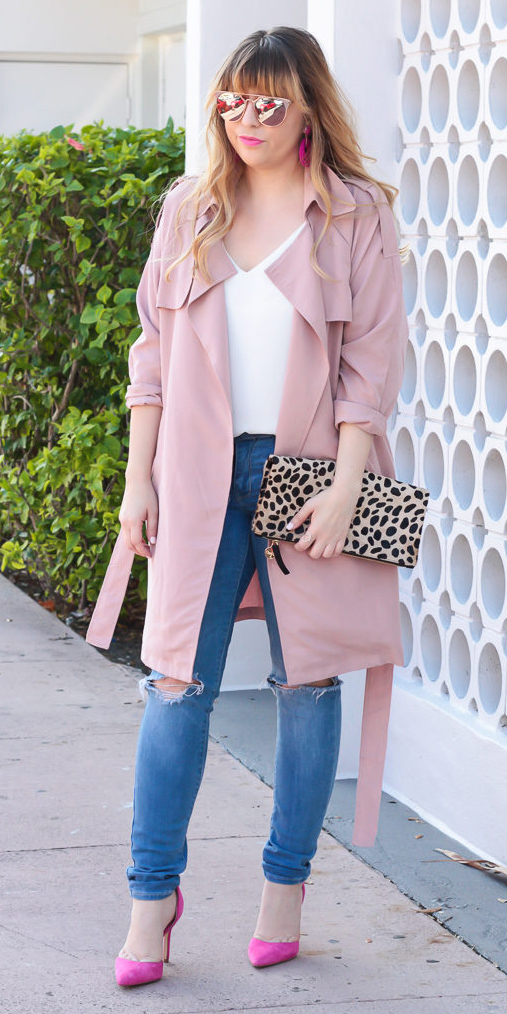 blue-med-skinny-jeans-white-top-tan-bag-clutch-leopard-print-pink-shoe-pumps-blonde-sun-valentinesday-pink-light-jacket-coat-trench-spring-summer-lunch.jpg