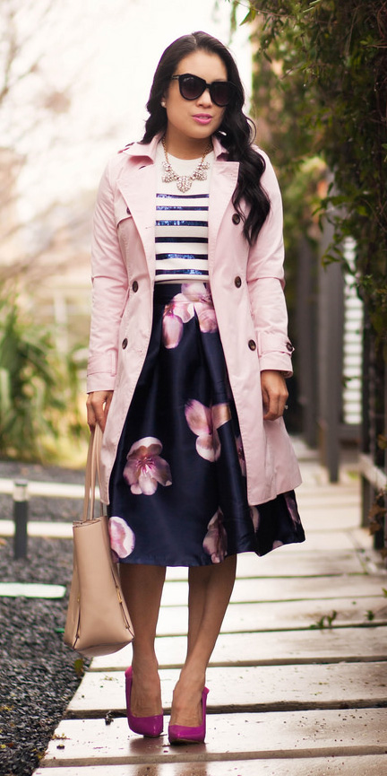 blue-navy-aline-skirt-floral-print-blue-navy-tee-stripe-bib-necklace-pink-light-jacket-coat-trench-pink-shoe-pumps-tan-bag-brun-spring-summer-lunch.jpg
