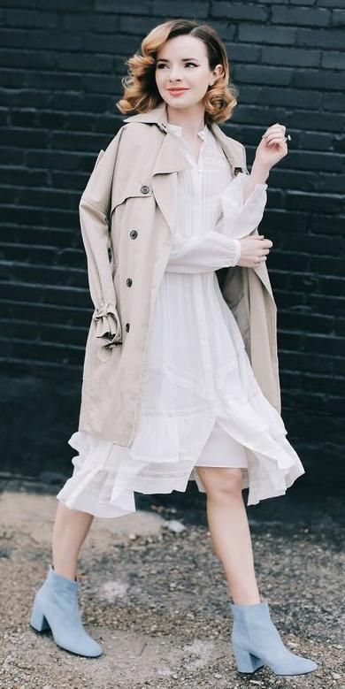 white-dress-aline-blue-shoe-boots-hairr-tan-jacket-coat-trench-spring-summer-dinner.jpg