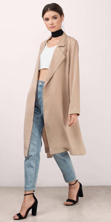 blue-light-skinny-jeans-white-crop-top-choker-pony-hairr-black-shoe-sandalh-tan-jacket-coat-trench-spring-summer-lunch.jpg