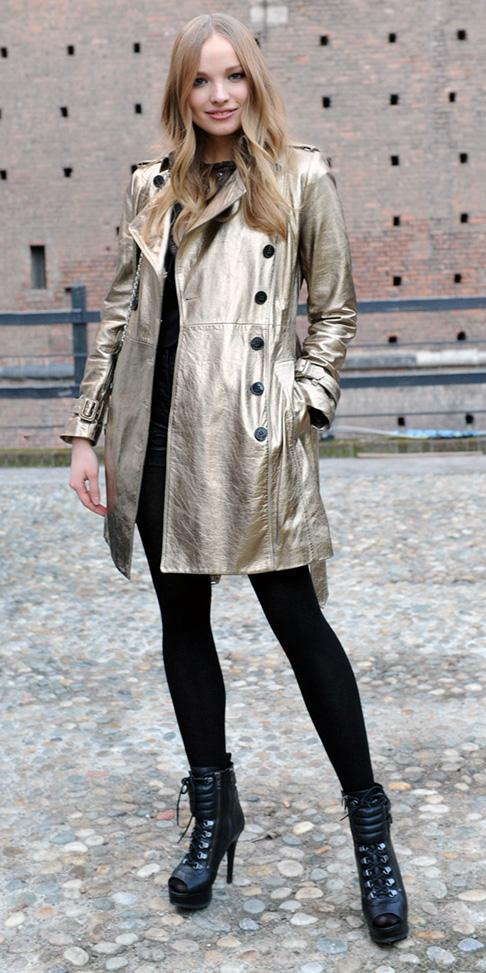 black-tights-blonde-black-shoe-booties-metallic-gold-tan-jacket-coat-trench-fall-winter-lunch.jpg