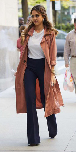 blue-navy-flare-jeans-white-tee-o-peach-jacket-coat-trench-hoops-wear-fashion-style-spring-summer-celebrity-jessicaalba-hairr-lunch.jpg