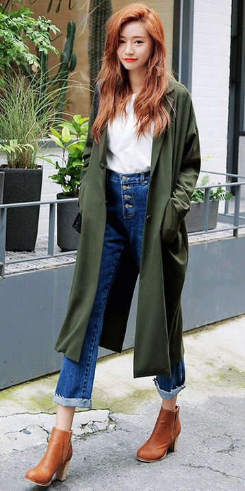 blue-navy-crop-jeans-white-tee-hairr-congac-shoe-booties-green-olive-jacket-coat-trench-fall-winter-weekend.jpg
