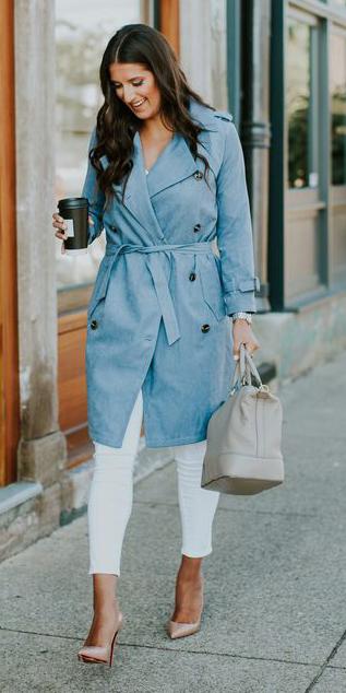 white-skinny-jeans-tan-shoe-pumps-gray-bag-hairr-blue-light-jacket-coat-trench-spring-summer-work.jpg