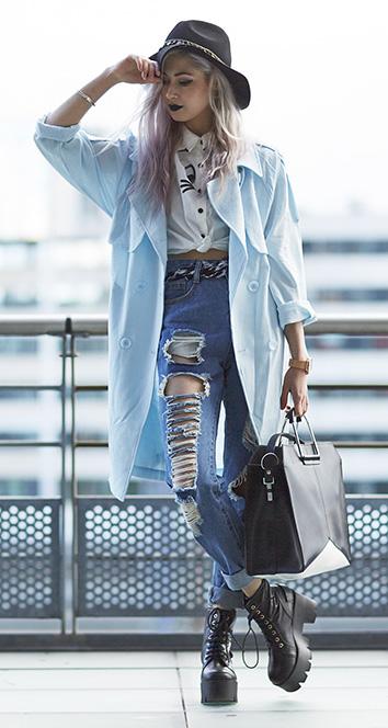 blue-med-skinny-jeans-belt-hat-blonde-black-bag-black-shoe-booties-blue-light-jacket-coat-trench-fall-winter-weekend.jpg
