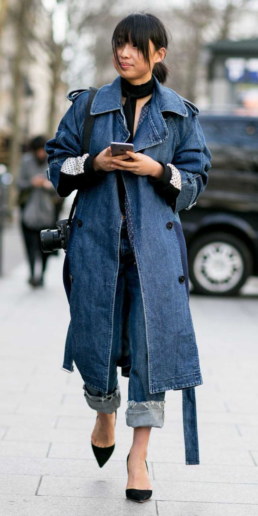 black-shoe-pumps-pony-brun-denim-blue-med-jacket-coat-trench-fall-winter-lunch.jpg