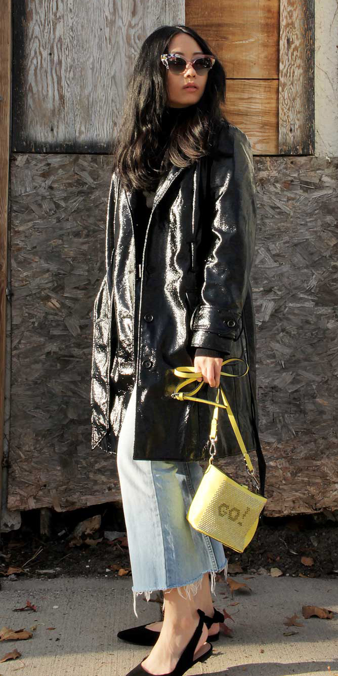 blue-light-crop-jeans-yellow-bag-patent-leather-black-shoe-flats-brun-sun-black-jacket-coat-trench-fall-winter-lunch.jpg