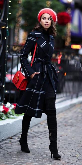 black-shoe-boots-otk-red-bag-brun-beret-black-jacket-coat-trench-fall-winter-lunch.jpg
