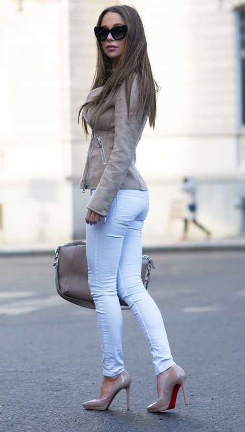 white-skinny-jeans-o-tan-jacket-moto-suede-tan-shoe-pumps-tan-bag-sun-howtowear-fashion-style-outfit-spring-summer-hairr-lunch.jpg