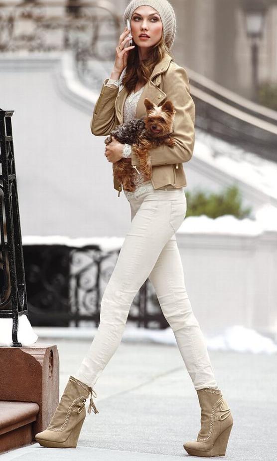 white-skinny-jeans-white-tee-o-tan-jacket-moto-beanie-tan-shoe-booties-howtowear-style-fashion-fall-winter-tan-karliekloss-model-blonde-lunch.jpg