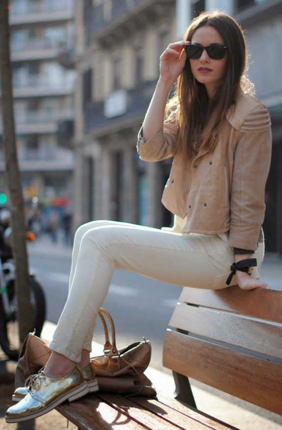 white-skinny-jeans-white-sweater-o-tan-jacket-moto-howtowear-style-fashion-fall-winter-tan-shoe-brogues-tan-bag-sun-hairr-lunch.jpg