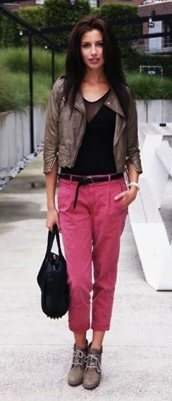 r-pink-magenta-joggers-pants-belt-black-top-brown-jacket-moto-black-bag-tan-shoe-booties-howtowear-fashion-style-outfit-fall-winter-brun-lunch.jpg