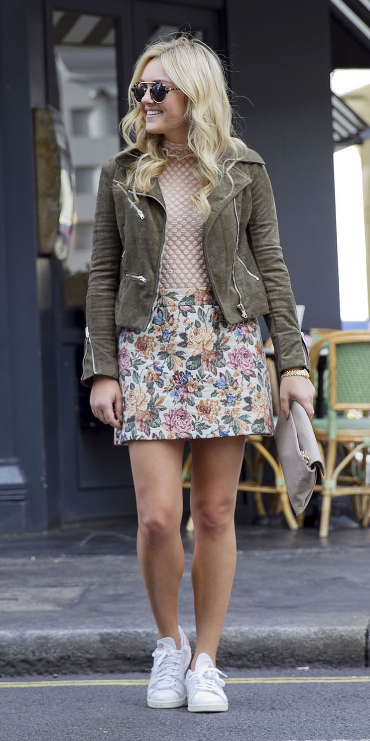 green-light-mini-skirt-floral-print-tan-top-blouse-green-olive-jacket-moto-suede-blonde-sun-white-shoe-sneakers-spring-summer-weekend.jpg