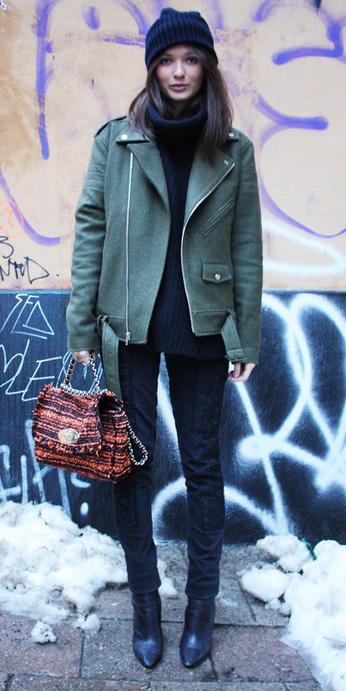 black-skinny-jeans-orange-bag-beanie-black-sweater-turtleneck-black-shoe-booties-green-olive-jacket-moto-fall-winter-brun-lunch.jpg