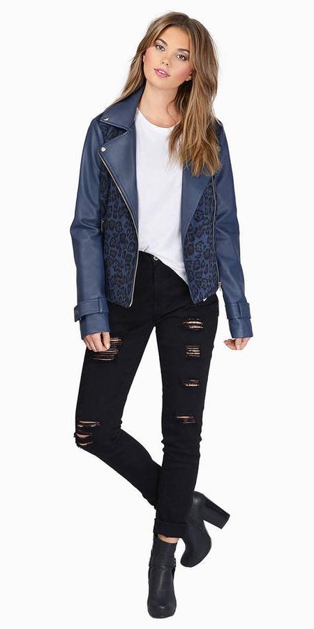 black-skinny-jeans-white-tee-black-shoe-booties-blue-navy-jacket-moto-fall-winter-hairr-weekend.jpg