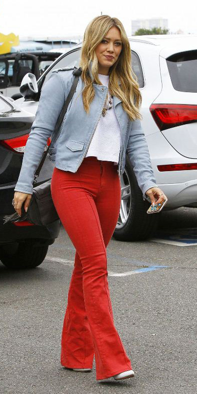 red-flare-jeans-grayl-jacket-moto-hilaryduff-spring-summer-blonde-lunch.jpg