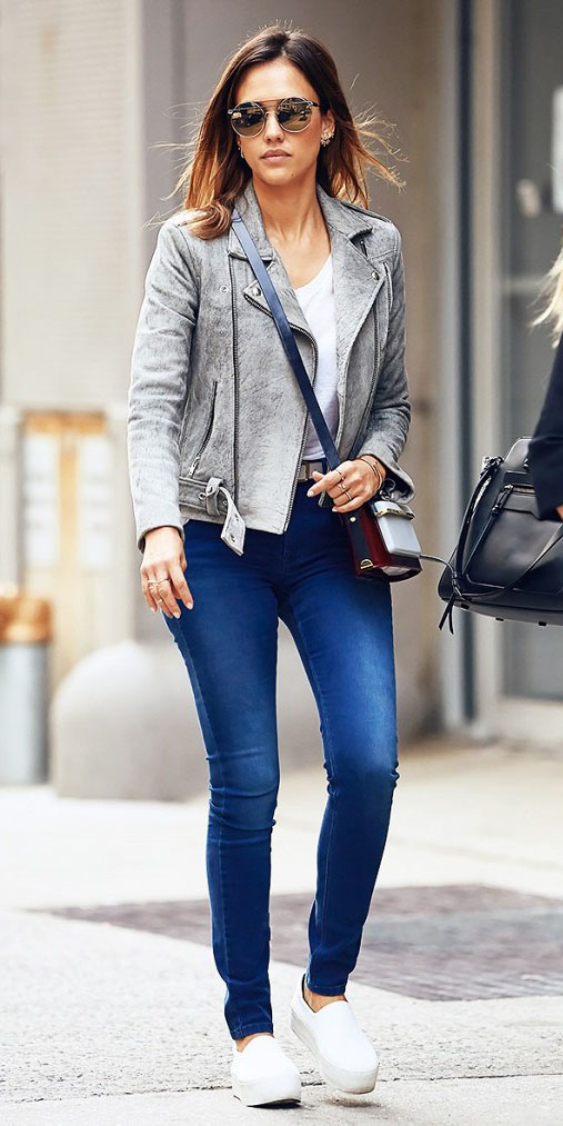 blue-med-skinny-jeans-white-shoe-sneakers-sun-jessicaalba-grayl-jacket-moto-spring-summer-hairr-weekend.jpg